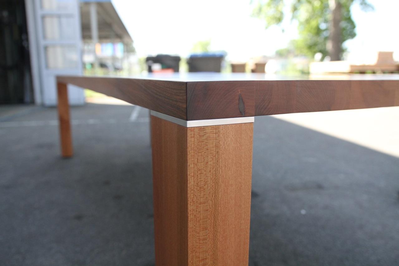 Tisch, zargenlos, in Ulme – 3 Meter lang
