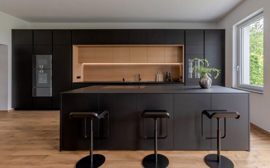 Küche Fenix NTM matt schwarz